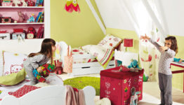 exceptionally-children-room-decor-for-two-withcalm-green-wall