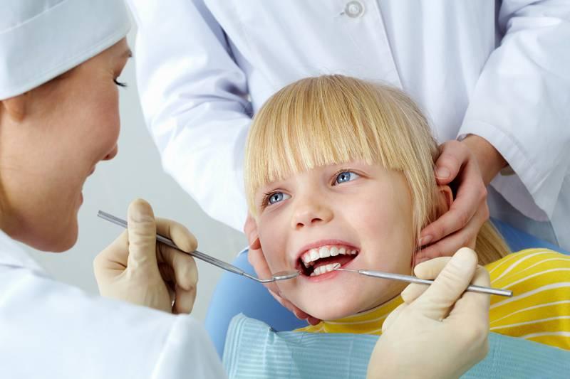 Copil dentist 1