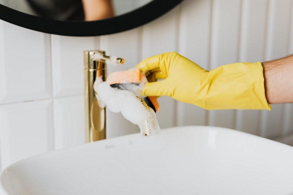 Ce-produse-de-curățenie-trebuie-să-fie-folosite-în-hoteluri