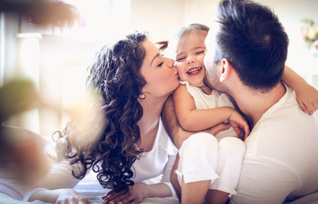 5 moduri prin care te poți pregăti financiar pentru a deveni părinte
